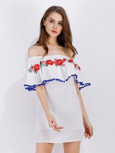 Robe d'été blanche en coton mélangé unicolore brodée hors de l'épaule
