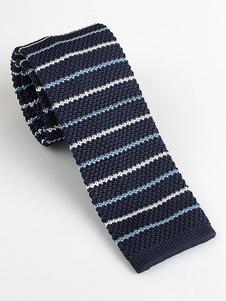 Image of Cravatta quadrata blu scuro a forma di uomo con cravatta in magl