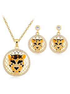 Ensemble de bijoux en or avec pendentif léopard avec boucles d&#