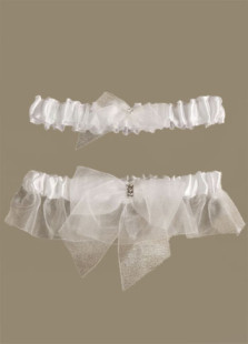 white-lovely-bow-beading-terylene-satin-gauze-wedding-garters