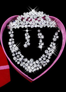 Attractive White Metal Rhinestone Flower Jewelry Set For Bridal