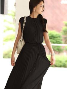 Elegant Black Pleated Sleeveless Silk Like Womens Maxi Dress