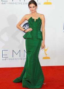 allison-williams-dark-green-tiered-emmy-awards-dress