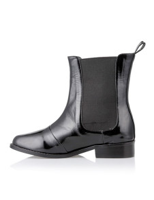classic-black-pu-leather-chelsea-flat-boots-for-women