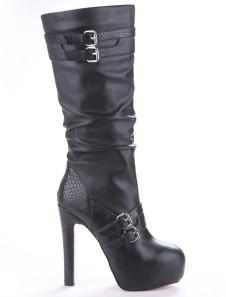 Botas de caña de piel de carnero de color negro con hebilla