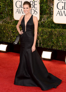 black-mermaid-cut-out-beading-allison-williams-golden-globe-dress
