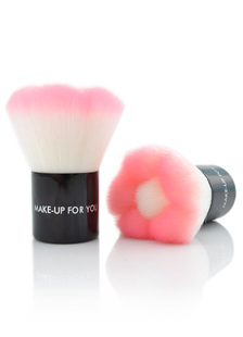 sweet-pink-make-up-powder-brush