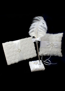 Nice 3 Pieces White Satin Wedding Cloth Set