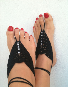 beach-wedding-footwear-black-pearls-crochet-barefoot-shoe-accessories
