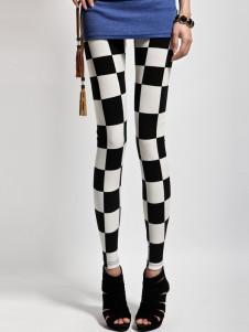 white-plaid-fashion-leggings