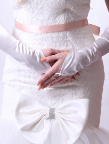 ivory-simple-bridal-wedding-gloves