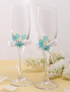 Copas de champaña con flores