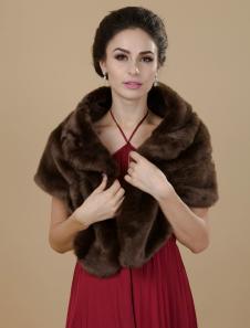 chocolate-faux-fur-wedding-shawl-for-bride