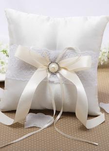 Almohada para anillos de satén blanco con perlas
