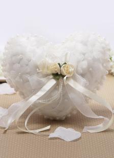 Almohada para anillos de organza blanca con perlas