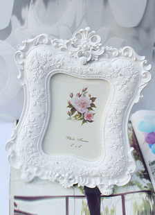 white-non-personalized-resin-frame-album-favors
