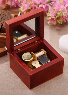 retro-red-box-music-box-wedding-gifts