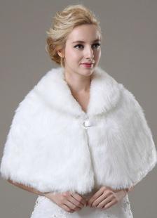 faux-fur-wedding-shawl-for-bride