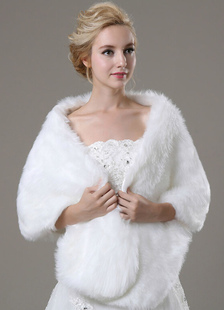 faux-fur-bridal-wedding-shawl