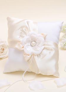 Almohada para anillos de satén con flor