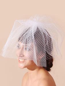 vintage-style-wedding-blusher-veil-for-bride