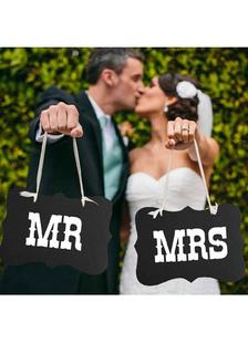 black-specialty-paper-wedding-decorations