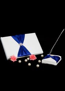 Arcos libros y plumas de la boda de cuentas azul