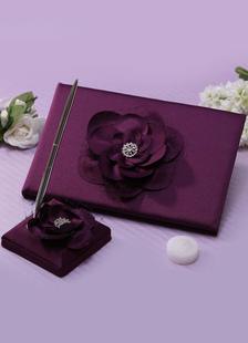 3D púrpura flores plumas y libros de boda