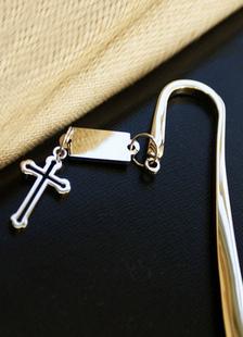 Image of Croce d'oro in acciaio inox segnalibro favori di nozze