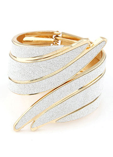 two-tone-bracelet-angel-wings-metal-bracelet-for-women