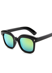 green-lens-sun-glasses-chic-plastic-glasses-for-women