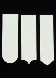 white-nail-manicure-stick-nail-art-tool