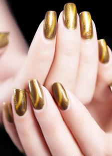 gold-nail-polish