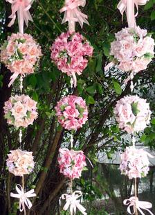 ball-flower-ornaments-wedding-decoration