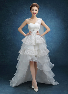 Image of        Sposa abito una spalla alta bassa Beaded abito da sposa in Organza e balza in pizzo a più livelli Sweep treno abito da sposa con drappeggio laterale