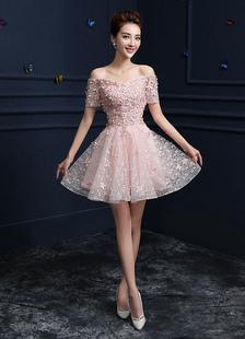 Image of Abiti Homecoming rosa fuori la spalla abiti da festa di pizzo pizzo Applique una linea Abiti laurea breve