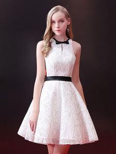Image of Abito corto bianco abito corto da promenade Abito senza maniche stile mini abito a righe