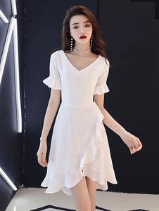 Petites robes blanches à volants col V à volants robe de mariée en satin