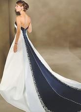 Короткие свадебные платья со шлейфом фото.