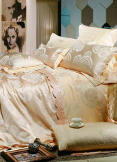 4-pc Romantic Apricot Artifical Silk Duvet Cover Bedding Set