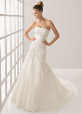 Romantic White Taffeta A-line Strapless Wedding Dress