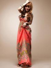 Длинные повседневные платья могут быть в виде сарафана и узор которых...