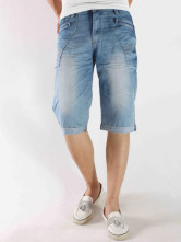 Fashion Blue 98% Cotton 2% Fiber Studded Mens Short Jeans