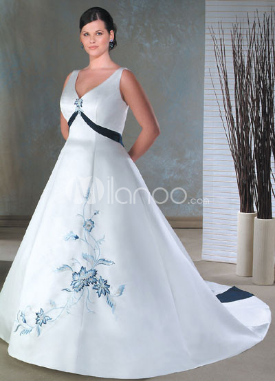 White Embroidery Satin Wedding Dress