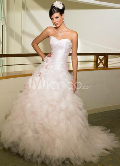 Ball Gown Sweetheart Applique Wedding Dress