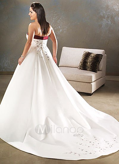 Womenwedding Attire on Line Sweetheart Satin Beading Plus Size Wedding Gown   Milanoo Com