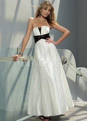 ...салон предлагает эксклюзивные свадные, выпускные и вечерние платья.
