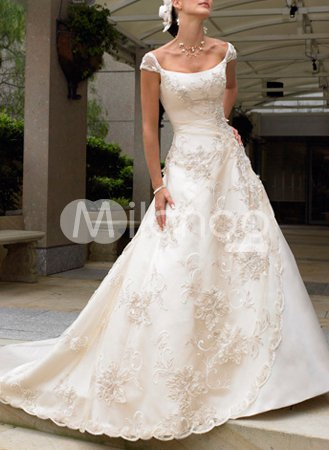 Lace Ivory A line Applique Beading Satin Pongee Luxury Wedding Dress
