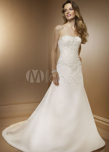 Slim white strapless a line satin wedding gown for Slim white wedding dresses