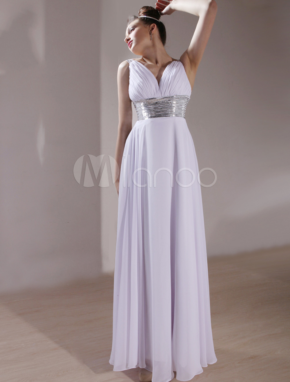 Beautiful White Chiffon V-Neck Sleeveless A-Line Luxury Wedding Dress